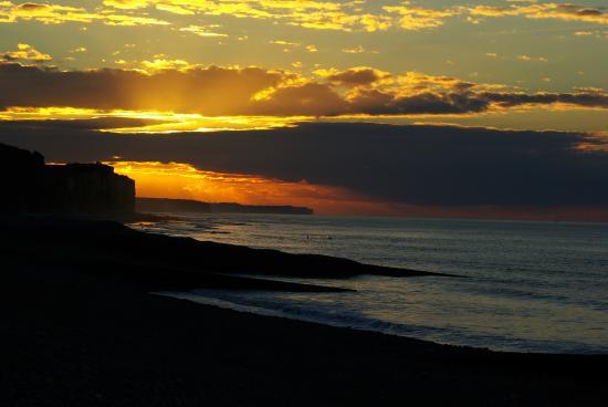 Villa les falaises : coucher de soleil sur pourville