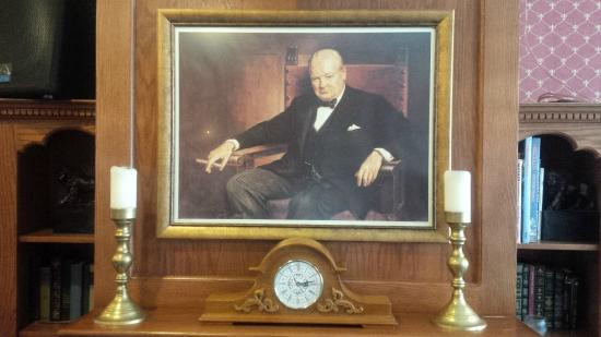Old English Pub: Churchill on the wall...