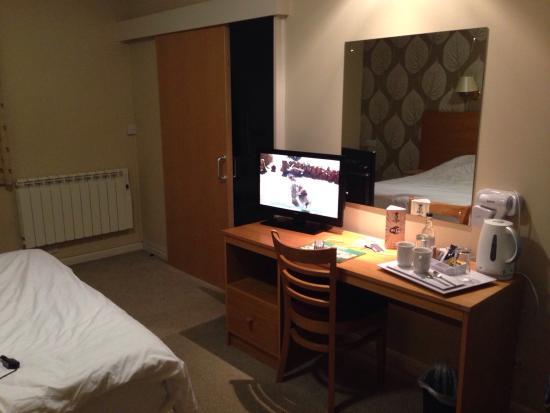 Sturdy's Castle Country Inn: Room on ground floor (room 1)