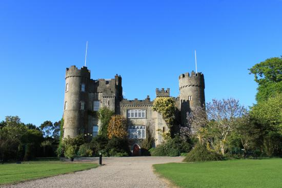 Rent a bike & tour the fabulous grounds of Malahide Castle with Irish Centre for Cycling