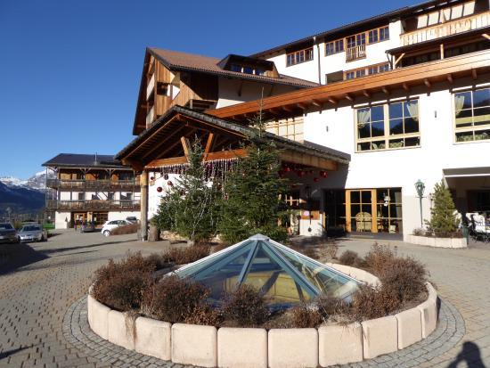 Wellness Hotel Fanes: Hotel entrance