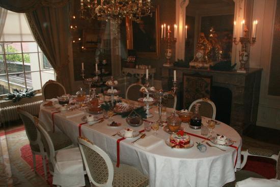 De eetkamer met het beroemde Meissenporselein - Foto van Willet ...