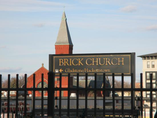 East Orange, Нью-Джерси: Brick Church station near the hotel.