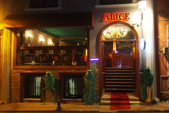 Alice Pub Cafe