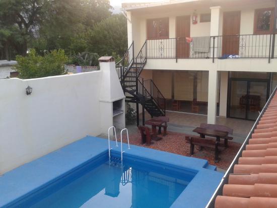 Patio con piscina foto van apart hotel cafayate for Patios con piscina