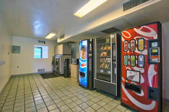 Motel 6 Valdosta University: Vending