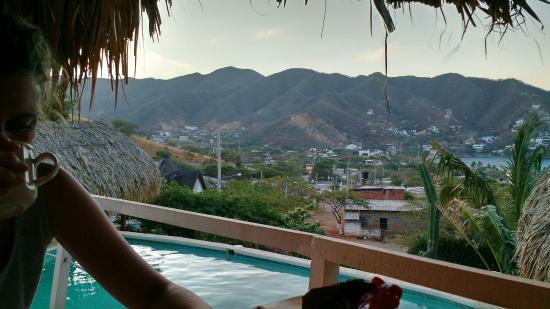 Hotel Casa Los Cerros Taganga: Imagen de la piscina y la vista