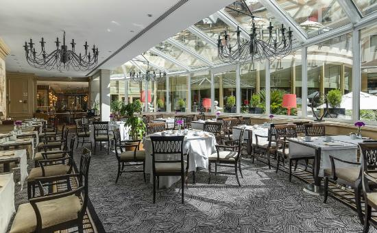 El jardin del intercontinental madrid chamber for Bistro del jardin mallorca