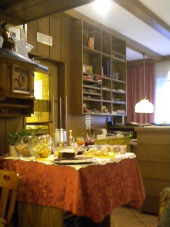 Gasthof WASTL Albergo: buffet colazioni e reception