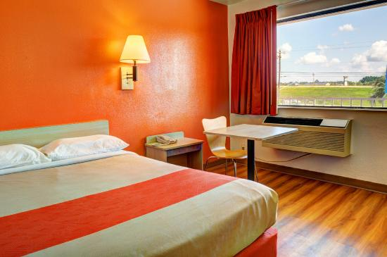 motel 6 new orleans slidell updated 2017 prices. Black Bedroom Furniture Sets. Home Design Ideas