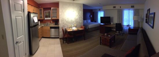 Residence Inn Lansing West: Room 327
