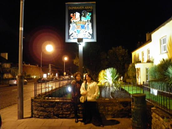 Dunraven Arms Hotel: Great Place to Stay!