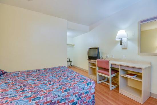 Motel 6 Tuscaloosa: Guest Room