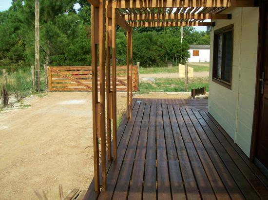Dech y pergola de ca as de bambu picture of cabanas los cukines canelones tripadvisor - Pergolas de bambu ...