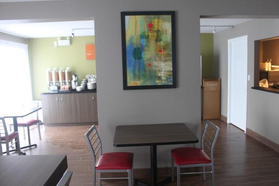 Comfort Inn: New Breakfast Room