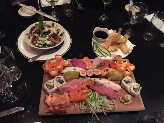 Monsoon : Sushi platter, lobster salad and prawns