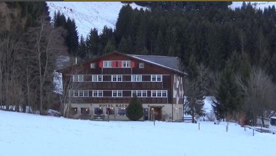 Hotel Kaubad : Vista invernale
