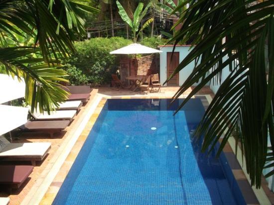 Jasmine Family Hostel: great clean pool