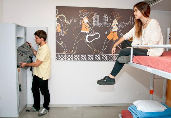 Albergue Pere Tarres: habitaciones doble con literas