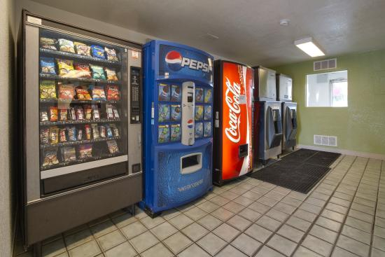 Motel 6 Orlando Kissimmee Main Gate East: Vending