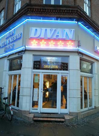 Restaurant divan the entrance billede af divan for Divan kebab menu