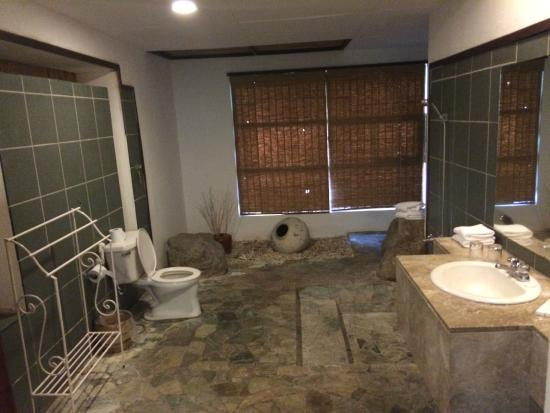 Bahura Resort and Spa: Bathroom