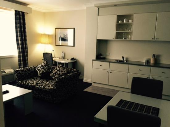 Adara Collins : 1 bedroom apt - living/kitchen/study desk