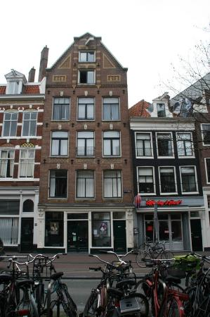 Palace B&B: The hotel is a typical house of Amsterdam