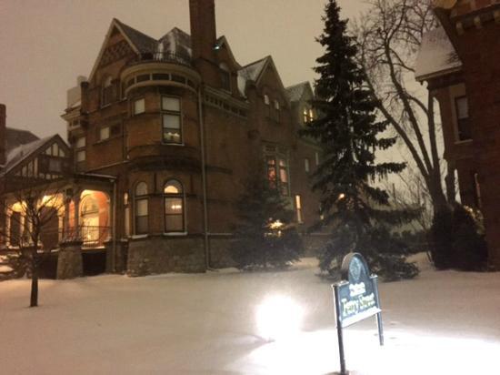 Inn on Ferry Street: January Snow