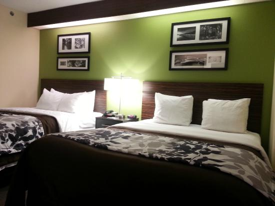Sleep Inn Billy Graham Parkway: Renovated Room