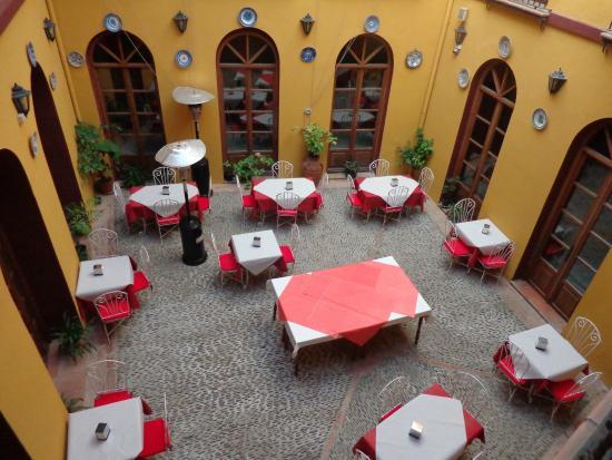 Hotel Mezquita : Vue de la chambre sur le patio