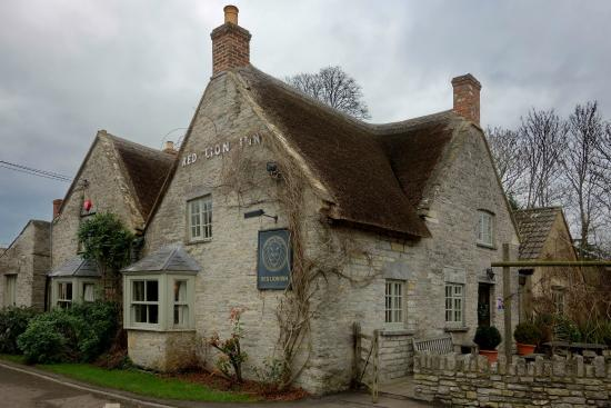 The Red Lion Inn: The Red Lion on a rainy winter's day...