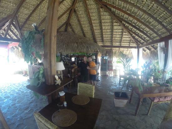 bamboo beach : avec dominique