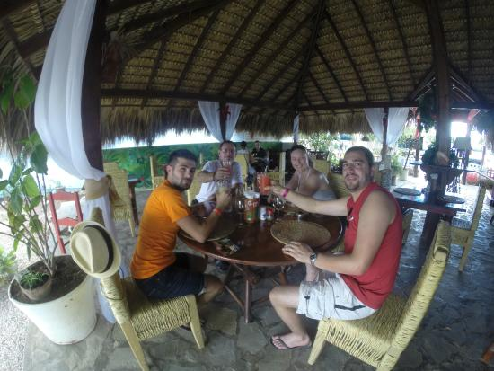 Bamboo Beach: notre groupe d'amis