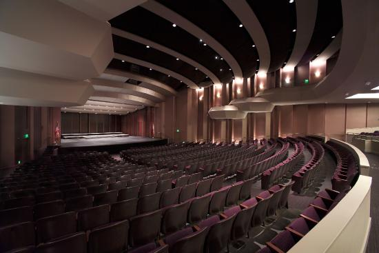 ‪Napa Valley Performing Arts Center at Lincoln Theater‬