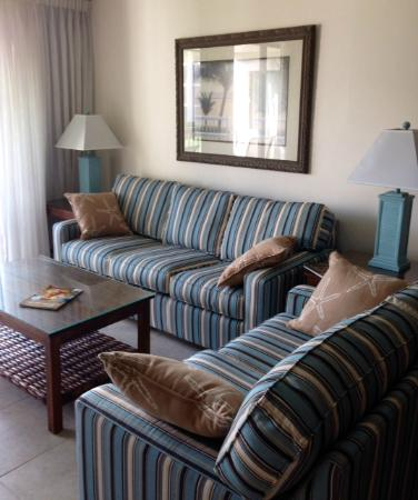 Sundial Beach Resort & Spa: Our unit was 201 of Building G. This is the living room area