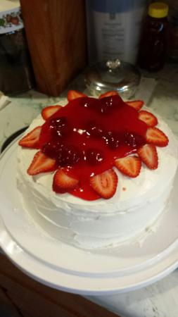 Tokyo: Strawberry Cake