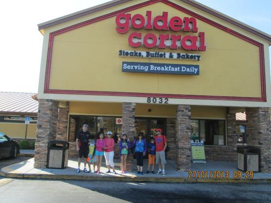 Golden Corral: Previo a almorzar....