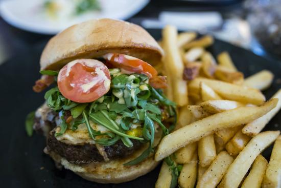 The Dancing Fig: Burger