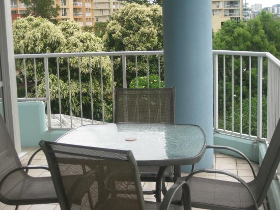Fairthorpe Apartments: Relaxing Balcony Setting