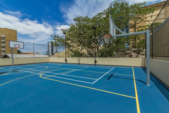 Mini Basketball Court Picture Of Breakfree Cosmopolitan Surfers Paradise Tripadvisor