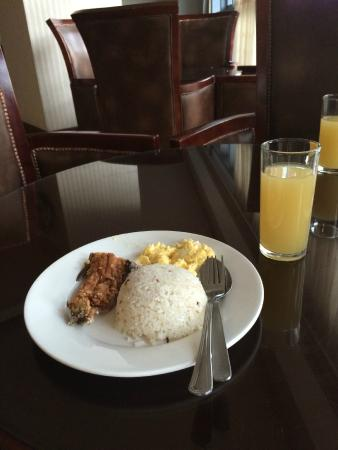 Crown Legacy Hotel: Breakfast included: a tiny piece (a fourth) of a Bangus. Had to go out for a real breakfast.