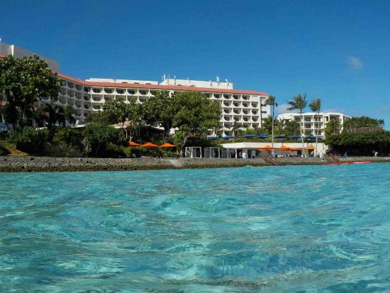 3階からのタシクラブラウンジ Picture Of Hilton Guam Resort Amp Spa