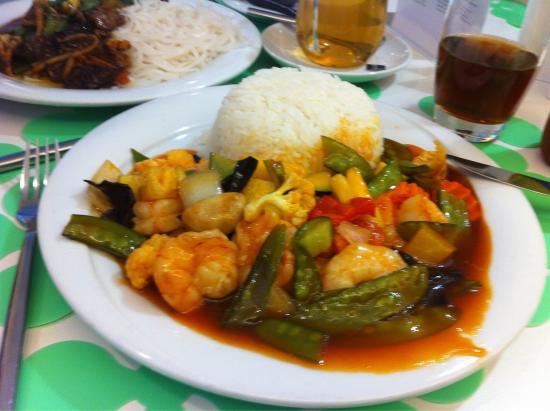 Saveurs d'Ailleurs: Cuisine riche et variée!