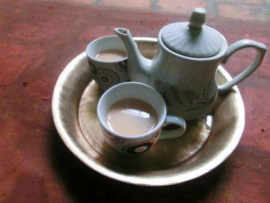 Sanu's House Homestay: Hot milk tea