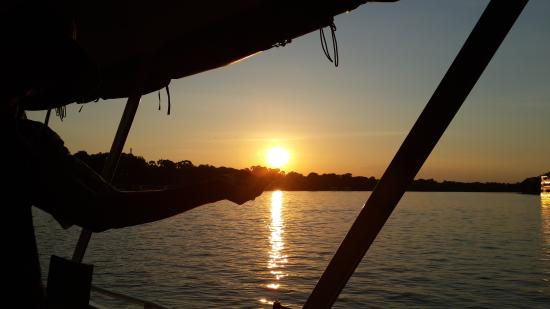 Pamusha Lodge: Sunset on the mighty Zambezi
