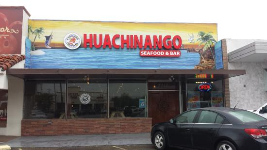 el Huachinango Seafood & Bar