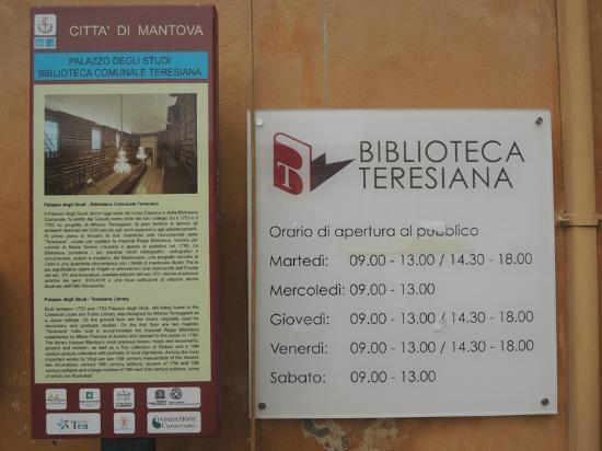 il migliore numerosi in varietà prezzo incredibile Orari di apertura - Picture of Biblioteca Teresiana, Mantua ...
