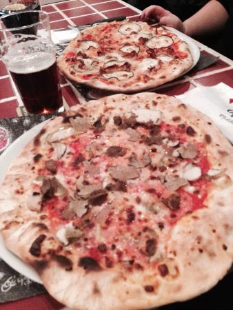 Pizze dello gnomo - Picture of Pizzeria Invito, Cesenatico - TripAdvisor