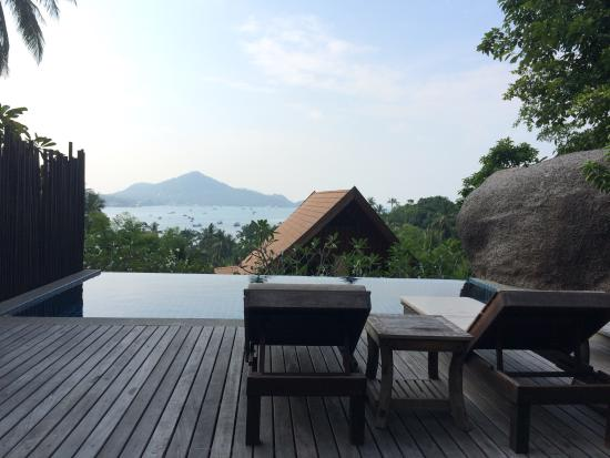 Koh Tao Heights Boutique Villas: Gorgeous view, even in the rain.